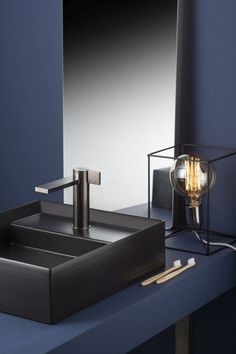 Ritmonio will debut high-end faucets at Salone del Mobile 2018 to intercept the need for uniqueness and the continuous desire for change. These bathroom fixtures form a balance between aesthetics and functionality. Bathroom Layout, Bathroom Interior, Modern Bathroom, Minimalist Bathroom, Dream Bathrooms, White Bathrooms, Luxury Bathrooms, Master Bathrooms, Basin Mixer