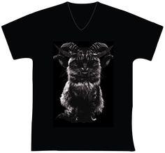 """R$ 35,00 + frete ESTAMPARIA: Arte final. Telas sob encomenda. Estampas de/em camisas masculinas e femininas (e outros materiais). Fornecemos as camisas ou estampamos a sua própria. Personalizamos e estampamos a sua ideia: imagem, foto, frase ou logo preferido. Envie a sua ideia ou escolha uma das """"nossas"""".... Blog: http://knupsilk.blogspot.com.br Pagina facebook: https://www.facebook.com/pages/KnupSilk-EstampariaSerigrafia/827832813899935?pnref=lhc https://twitter.com/KnupSilk"""