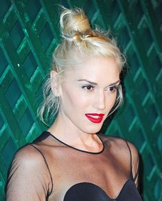 "Gwen Stefani  0  The singer's jam in West Hollywood on April 13? Keeping it tousled up top for the world premiere of the ""My Valentine"" video, hosted by Paul McCartney and Stella McCartney."