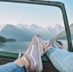 "991 Likes, 25 Comments - ALEXANDRIA RENAY (@allyrenay) on Instagram: ""mountain views and my favourite vans  . . . . .  #wanderlust #uoonyou #urbanoutfitters #boho #pnw…"""