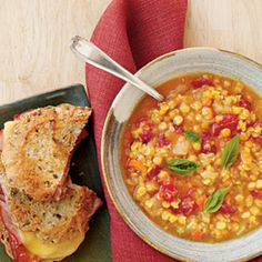 Quick-Fix Soups and Sandwiches Rote Linsensuppe – Schnelle und einfache Suppen und Sandwich-Rezepte – Southern Living Recipes For Soups And Stews, Soup Recipes, Lentil Recipes, Salad Recipes, Vegetarian Recipes, Dinner Recipes, Sauteed Carrots, Red Lentil Soup, Kitchens