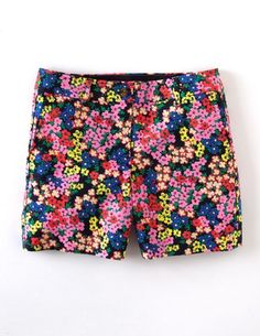 I've spotted this @BodenClothing Bistro Short Navy Bloom