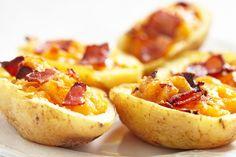 Batata recheada com provolone. | 20 receitas que não deixam dúvidas de que a batata é a melhor comida