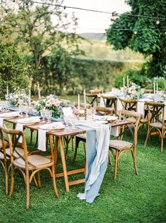 Vintage Chic Wedding in Tuscany with Pastel Blooms #springweddingcolors #italiandestinationwedding #uniqueweddingideas