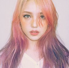 Pony, korean makeup artist showing the freckle trend Beauty Makeup, Hair Makeup, Hair Beauty, Korean Beauty, Asian Beauty, Park Hye Min, Pony Korean, Pony Makeup, Asian Makeup