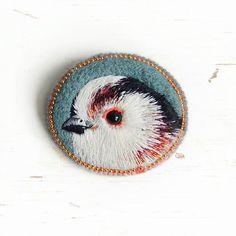 Little bird . brooch . handmade . felt . needle felted . hand embroidered . animal