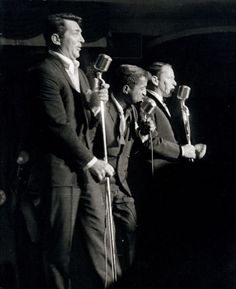 The Rat Pack on stage Frank Sinatra, Dean Martin and Sammy Davis Jr Dean Martin, Humphrey Bogart, Classic Hollywood, Old Hollywood, The Rat Pack, Franck Sinatra, Las Vegas, Joey Bishop, Sammy Davis Jr