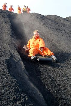 volcano boarding - one of the extreme sports you can do abroad or at home