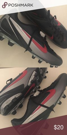 Mens Nike 11.5 Cleats Like new men's cleats Nike Shoes Athletic Shoes