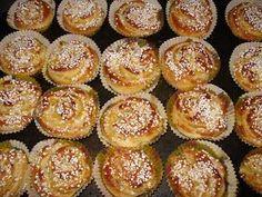 Frostrosor: Kalljästa bullar - wienerbullar Bagan, Swedish Recipes, Fika, Candy Making, No Bake Desserts, Chocolate Recipes, Cake Recipes, Bakery, Cheesecake