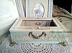 vintage antique shabby chic jewlery box by Adisa Lisovac decoupage Shabby Chic Boxes, Decoupage Box, Altered Bottles, Vintage Box, Xmas Crafts, Box Art, Craft Fairs, Wooden Boxes, Vintage Antiques
