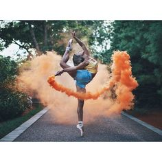Brandon Woelfel is a Photographer based in New York. He created a unique style with unique photo edits. Brandon Woelfel said his career was growing too fast Dance Photography Poses, Smoke Bomb Photography, Gymnastics Photography, Dance Poses, Photography Hacks, Photography Aesthetic, Photography Women, Vintage Photography, Creative Photography