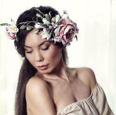 Bridal crown. Freida Kahlo Pink Silk Floral by FeltSilkArtGift