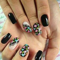 70 Trendy Spring Nail Designs are so perfect for this season Hope they can inspire you and read the article to get the gallery. Rose Nails, Flower Nails, Nail Designs Spring, Nail Art Designs, Fun Nails, Pretty Nails, Nail Designer, Modern Nails, Floral Nail Art