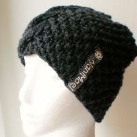 Herta | schwarz Beanie, Hats, Fashion, Black, Moda, Hat, Fashion Styles, Beanies, Fashion Illustrations