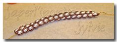 Instructions for crocetting this beautiful pearl and seed beads chain.
