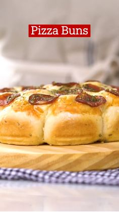 Appetizer Recipes, Dessert Recipes, Appetizers, Fun Baking Recipes, Cooking Recipes, Pizza Buns, Food Hacks, Food Dishes, Love Food