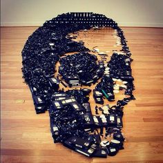 VHS skull