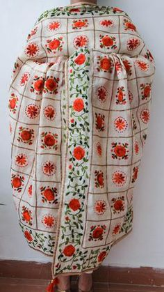 Chanderi Gota Check Beige and Orange Hand Embroidered Phulkari Dupatta Phulkari Embroidery, Indian Fashion, Women's Fashion, Hand Embroidery Designs, Vera Bradley Backpack, Indian Outfits, Painting Art, Hand Stitching, Scarves