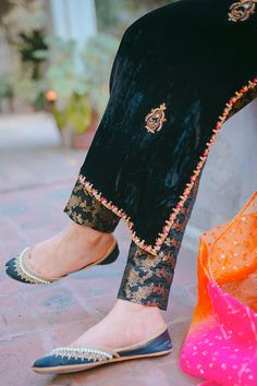 Party Wear Indian Dresses, Pakistani Dresses Casual, Dress Indian Style, Indian Fashion Dresses, Indian Designer Outfits, Girls Fashion Clothes, Pakistani Dress Design, Clothes For Women, Beautiful Dress Designs