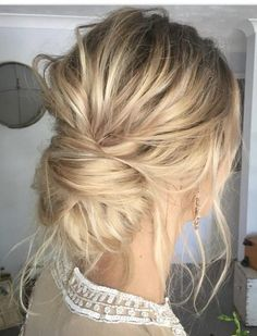 Peinados de boda updo de moda para cabello medio largo Informations About Trendy Hochsteckfrisur Hochzeitsfrisuren für mittellanges Haar Thin Hair Updo, Messy Updo, Messy Buns, Low Buns, Curly Hair, Hair Ponytail, Braid Hair, Wedding Guest Hairstyles, Wedding Updo