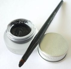 so the post is about how to do a cat-eye liner, but i just want the gel eyeliner..