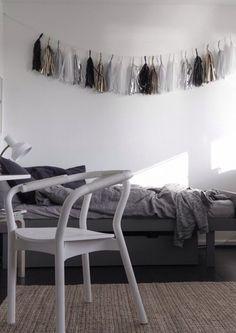 Tassels // White and Grey // Black Floor // Woven Rug