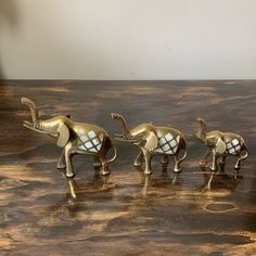 Just listed these brass & mother of pearl mom and baby elephants. Hollywood Regency, Mother And Baby Elephant, Vintage Blanket, Baby Elephants, Elephant Figurines, Glass Ceramic, Photo Postcards, Vintage Walls, Vintage Home Decor