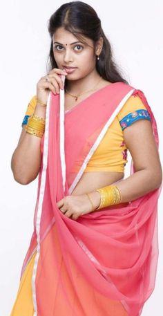 Beauty of/in Saree. Beautiful Girl Photo, Beautiful Girl Indian, Most Beautiful Indian Actress, Beautiful Saree, Beautiful Bride, Beauty Full Girl, Beauty Women, Beauty Girls, Dehati Girl Photo