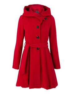 My new wintercoat! Im absolutely in love with it! Cant wait till its cold enough so I can wear it. This coat makes me feel like im Red Ridding Hood haha.