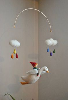Special Item : The boy and the goose two clouds and rainbow Baby Crafts, Felt Crafts, Fabric Crafts, Wet Felting, Needle Felting, Felt Mobile, Felt Fairy, Fabric Animals, Baby Sewing Projects