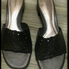 """SALE TODAY ONLY! Croft & Barrow Slip Sandals Black fairly new..EUC. No wear shown on inner soles..Leather upper,Balance man made..1.5"""" heel Made in Brazil Any questions please ask!  *Fight like a girl* Croft & Barrow Shoes Sandals"""