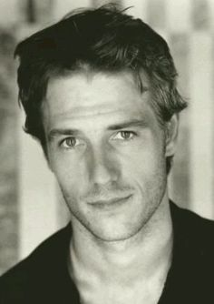 michael vartan | Michaël Vartan... I love this look...he gad same look in Never Been Kissed.....