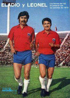 El partido con Santos se aprovechó para homenajear a Eladio Rojas y Leonel Sánchez. Fifa, Football Players, Soccer, Baseball Cards, South America, Football Team, November, Trading Cards, Legends