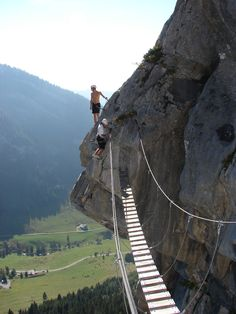Via Ferrata in Italy... I'm DYING to go here!!! Such an adventure - this blog gives tips on where to go too...