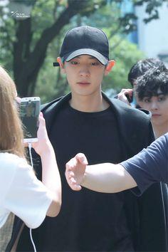 [HQ] 170908 #CHANYEOL LEAVING KBS MUSIC BANK