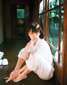 hashimoto nanami by kawashima kotori Human Poses Reference, Pose Reference Photo, Japanese Model, Japanese Girl, Pose Portrait, Mode Ulzzang, Portrait Photography, Fashion Photography, Poses References