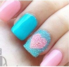 uñas de corazones con caviar
