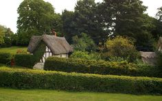 Thatched cottage, Benington, Hertfordshire by Julian Osley, via Geograph