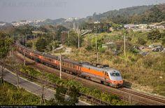 E1005 Taiwan Railway Administration E1000 at Miaoli, Taiwan by George Adler