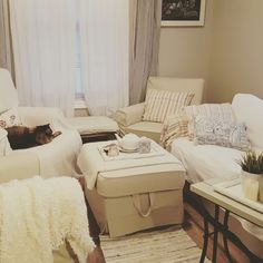 Decorating Small Spaces, Shabby, Table, Furniture, Home Decor, Homemade Home Decor, Tables, Home Furnishings, Interior Design