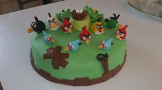 Angry+birds+-+for+my+husband's+birthday,+Angry+birds    for+more+of+my+creations,+take+a+look+on+www.facebook.com/paradisdesgateaux