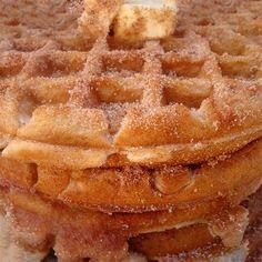 Churro-Waffles Brunch Recipes, Breakfast Recipes, Snack Recipes, Cooking Recipes, Snacks, Breakfast Items, Churro Waffles, Pancakes, Savory Waffles