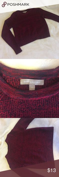 BANANA REPUBLIC crop burgundy sweater Beautiful burgundy color, 60% cotton. Fit for normally small. Banana Republic Sweaters Crew & Scoop Necks