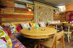 10+1 αυλές για φαγητό & ποτό στην Αθήνα Outdoor Tables, Outdoor Decor, Poker Table, Athens, Outdoor Furniture, Home Decor, Environment, Photos, Exotic