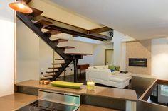 Residential Monostringer Floating Stair - ME