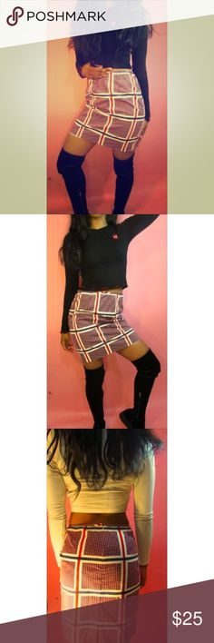Tommy Hilfiger Plaid Pencil Skirt Chic and sexy plaid checked Tommy skirt circa 2010. Excellent condition 100% Polyester runs large Tommy Hilfiger Skirts Mini