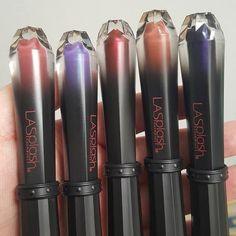 Hello new @lasplashcosmetics liquid lipsticks! 💋💋💋 Loving this packaging.  #lasplashcosmetics #newmakeup #makeup #instamakeup #instabeauty #bblogger #makeupaddict #ilovemakeup #liquidlipstick #metalliclipstick #makeupjunkie #wickedlydivine #makeupobsessed #motd #makeuphaul
