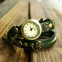 We Offer Top Good Quality Cheap Clothes For Women And Men Clothing Wholesaler, Get Affordable Clothing At Worldwide. Fashion Art, Fashion Online, Womens Fashion, Green Rose, Club Dresses, Pocket Watch, Bracelet Watch, Watches, Chain