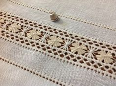 Embroidery Hardanger B - Types Of Embroidery, Hand Embroidery Patterns, Ribbon Embroidery, Embroidery Stitches, Embroidery Designs, Drawn Thread, Thread Work, Embroidery For Beginners, Embroidery Techniques
